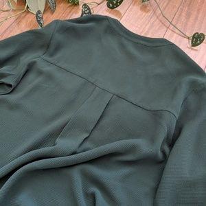 meraki Tops - 🖤Casual Green Long Sleeve Blouse Zipper Trim MED